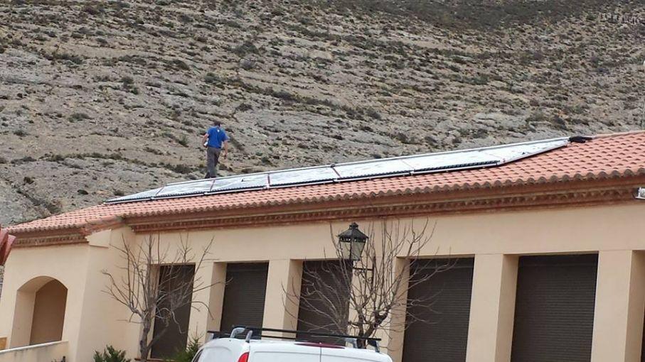 Solar para escuela y piscinas